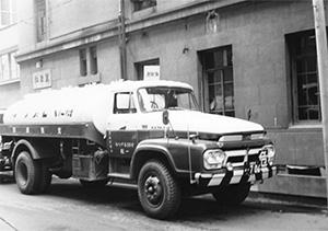 当時、アメリカ最大の石油系クレゾールメーカーであるプロダクトール・ケミカル社と極東地区総代理店契約を結ぶ。